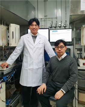 Developed Self-controlling 'Smart' Fuel Cell Electrode Material 이미지